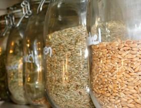 Getreide in nachhaltigen Gläsern